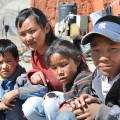 """featured image Żywiołowa aukcja charytatywna na rzecz tybetańskiej """"Szkoły Na końcu Świata"""""""